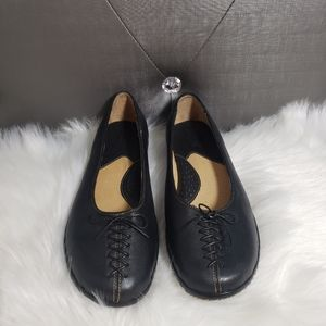 Born leather tooled ballet flat